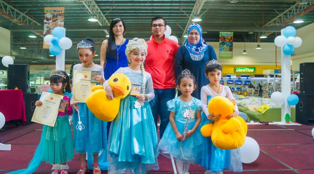 Frozen Costume Competition-KipMart2015. Photo by http://ezaniphoto.com