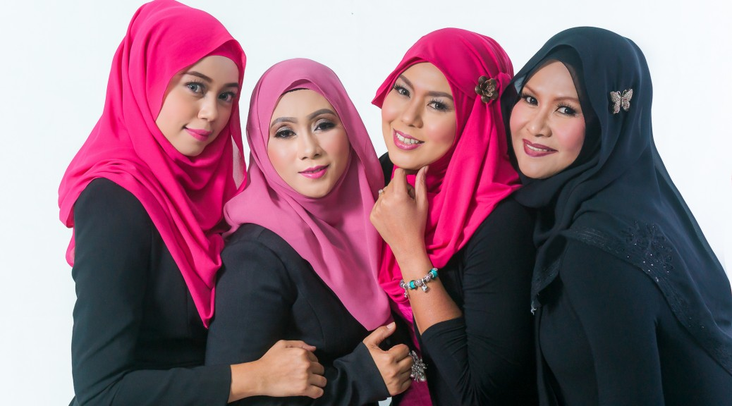 Pink Beaute (DCL) Studio photoshoot by http://ezaniphoto.com