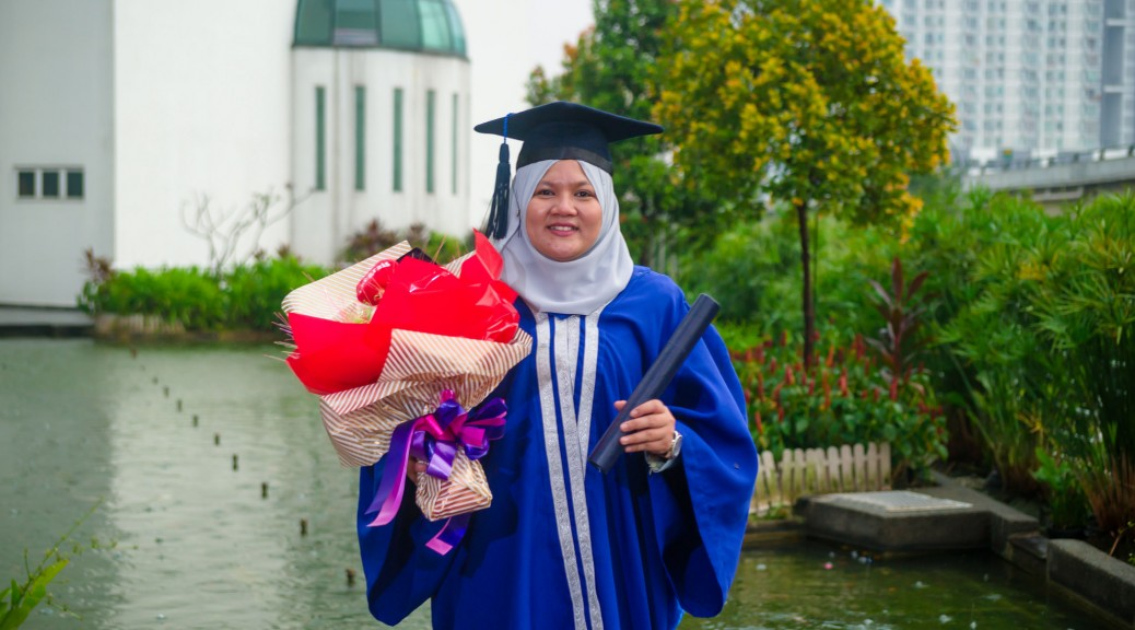 Nadia convocation day by http://ezaniphoto.com